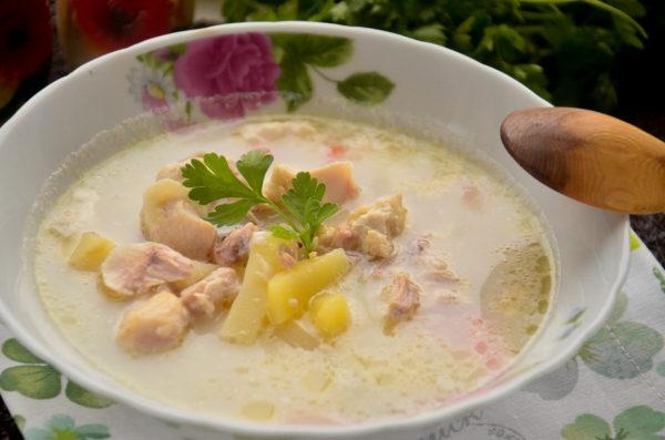 Сырный суп с курицей в мультиварке