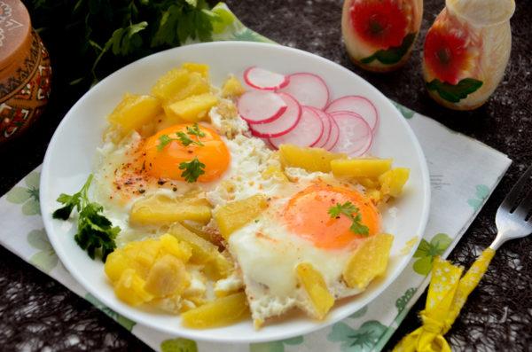 Яичница с картошкой