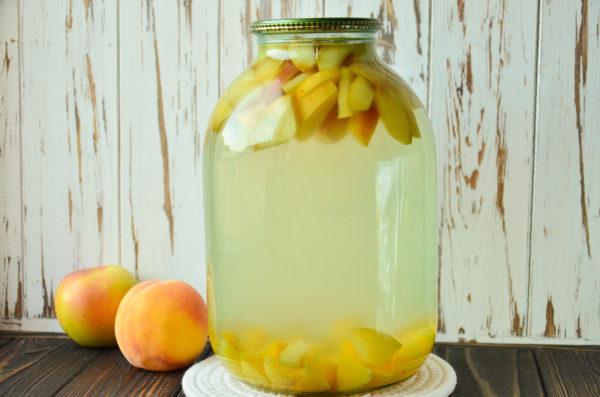 Компот из персиков и яблок на зиму без стерилизации