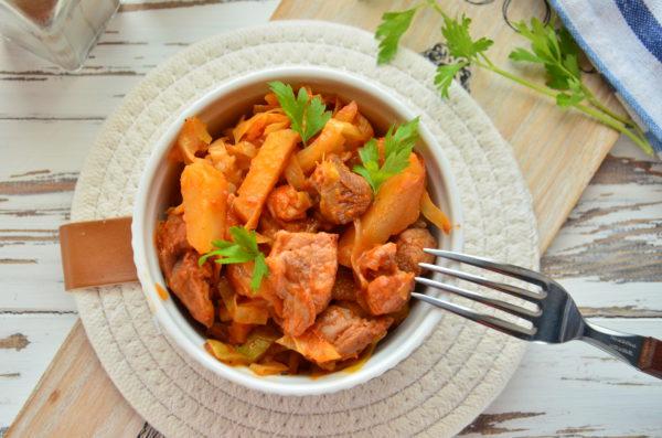 Овощное рагу с мясом, кабачками и картошкой