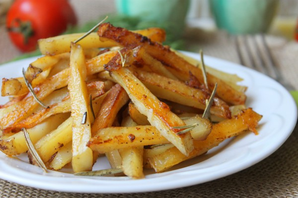 Картофель с розмарином в духовке