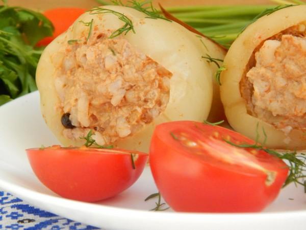 Перец фаршированный говядиной и рисом