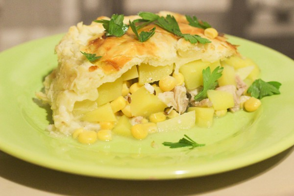 Пирог с курицей и кукурузой