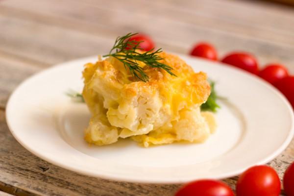 Цветная капуста под сыром в духовке
