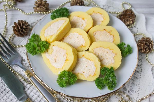 Яичный рулет с плавленным сыром
