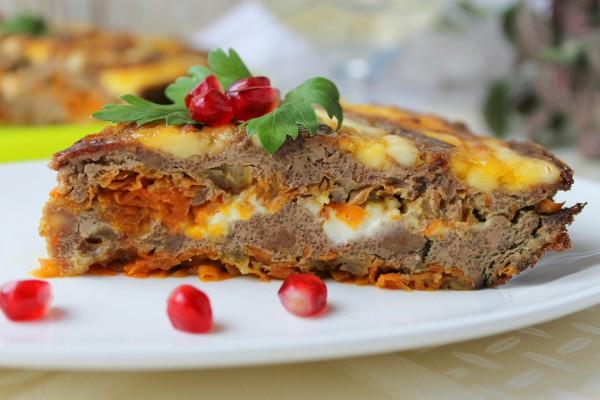 Печеночный пирог с морковью и луком