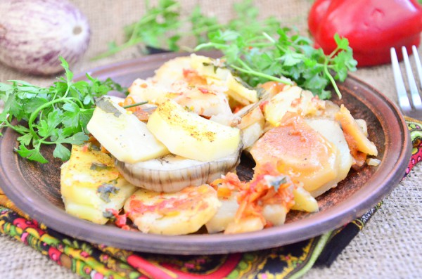 Картофель, запеченный с тещиным языком в мультиварке