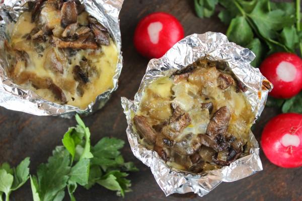 Куриное филе, запеченное с грибами в духовке