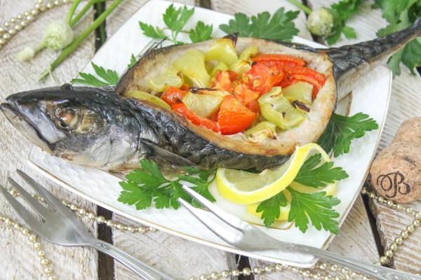 Фаршированная скумбрия Лодочка с овощами
