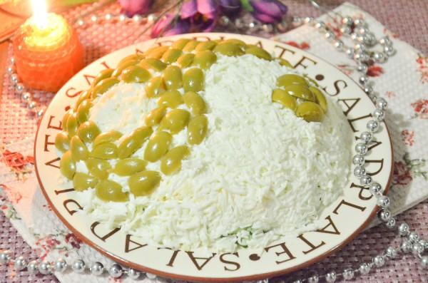 Салат «Инь-Янь» с оливками