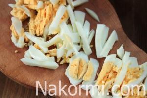 salat-iz-baklazhanov-s-yajcom-i-lukom4