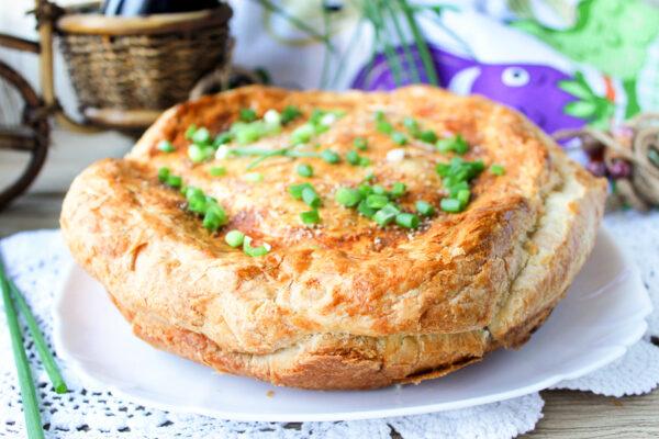 Пирог с баклажанами, мясом и кедровыми орехами