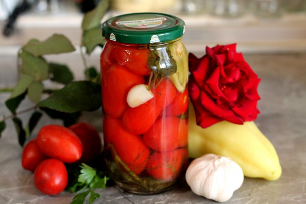 Маринованные помидоры с яблочным уксусом на зиму