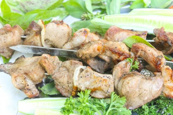 Шашлык из свинины на маринаде из уксуса и лука