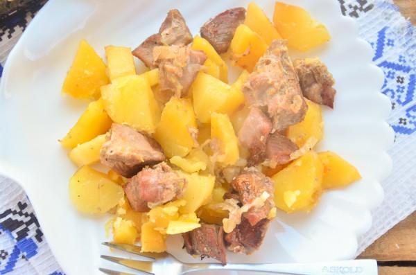 Индейка, запеченная в духовке с картофелем