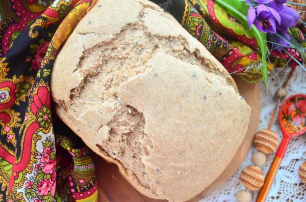Ржаной хлеб с тмином и кунжутом в хлебопечке