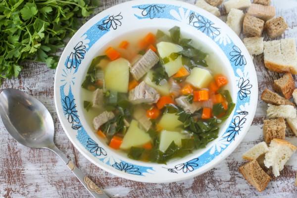 Суп с отварной говядиной и шпинатом