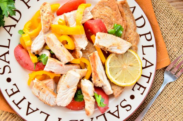 salat-s-indejkoj-i-yaponskim-omletom