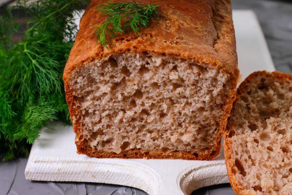 Пшенично-ржаной хлеб с орехами