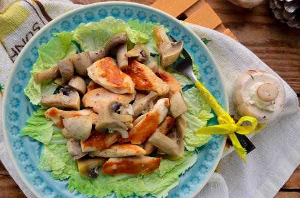 Шампиньоны по-корейски с курицей