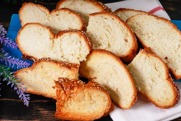 Сладкие сухари из белого хлеба в духовке