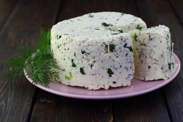 Сыр из молока, сметаны и яиц