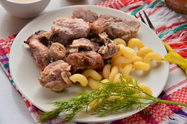 Свинина с грибами в горчичном соусе в рукаве