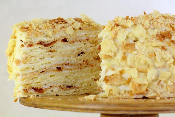 Торт Наполеон с заварным кремом пломбир