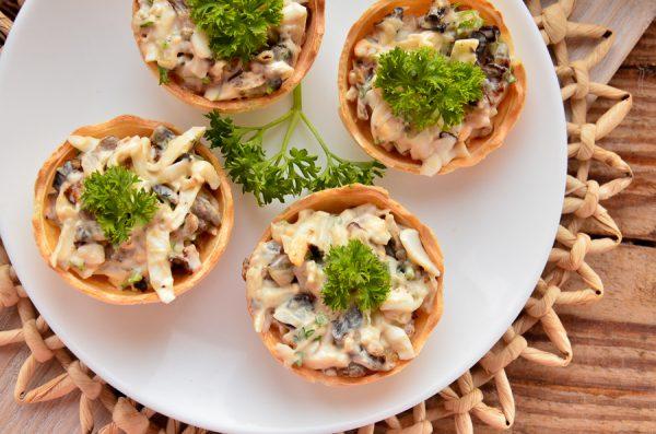 Тарталетки с жареными грибами
