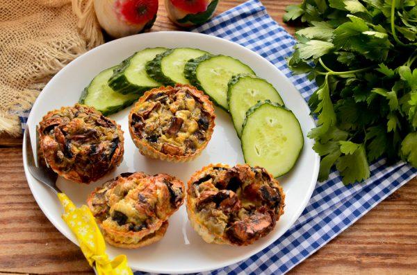 Омлет с грибами и оливками в духовке