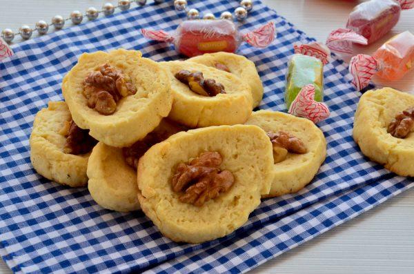 Печенье курабье с грецким орехом