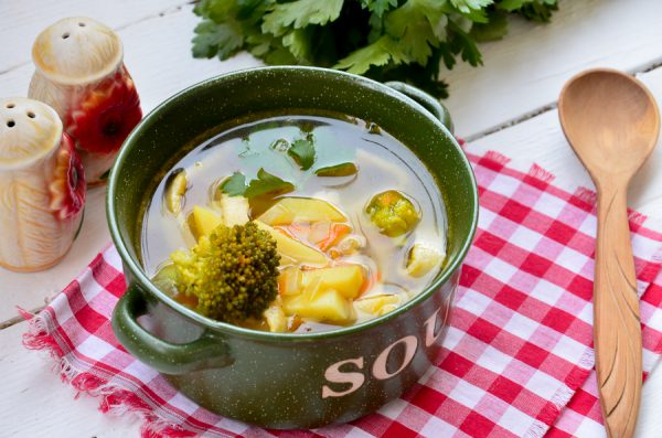 Суп с брокколи и лапшой