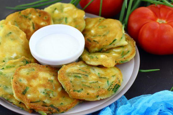 Ленивые пирожки с зеленым луком и яйцом на кефире
