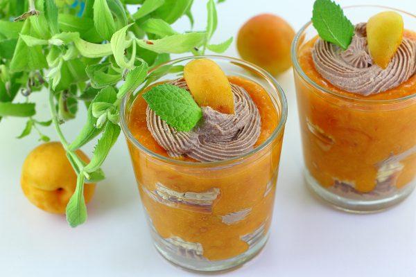 Творожный десерт с абрикосами