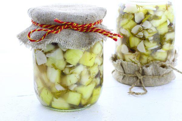 Маринованные кабачки с чесноком на зиму