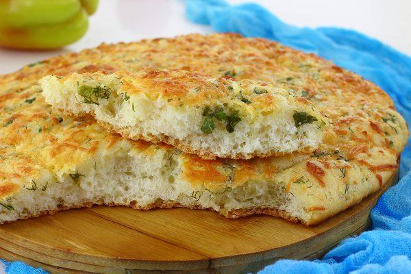 Хлеб с сыром и чесноком в духовке