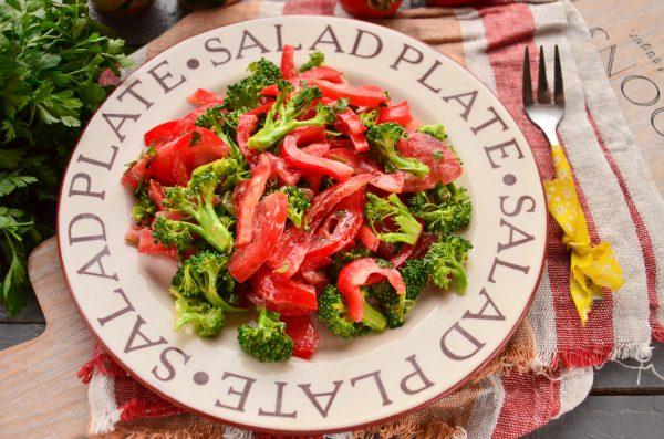 Салат из свежей брокколи