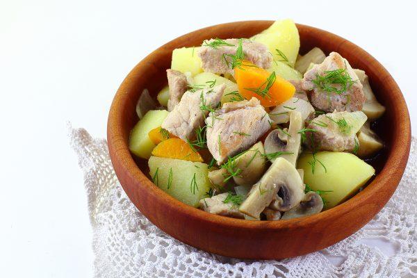 Жаркое из свинины с картошкой и грибами
