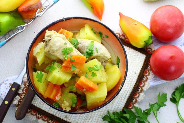 Курица с картошкой в банке в духовке