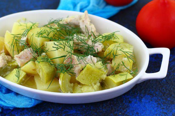 Куриное филе с картошкой и кабачками в духовке