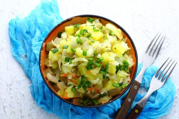 Салат с картошкой и квашеной капустой