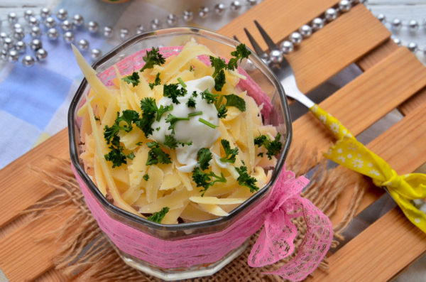 Грибной салат с сыром и морковью по-корейски